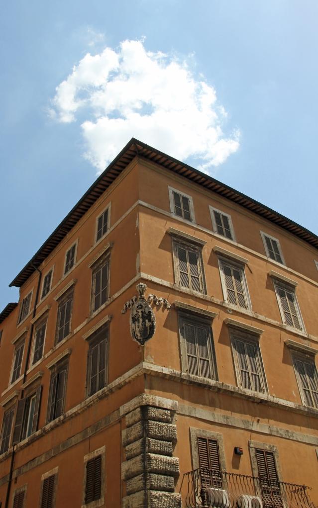 building corso vanucci crop